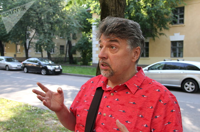 Андрей Эзерин был одним из инициаторов того, чтобы придать Осмоловке статус объекта историко-культурного наследия