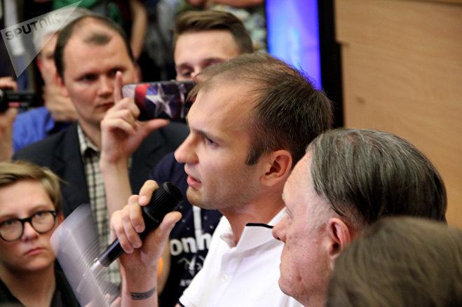Денис Кобрусев - один из инициаторов сбора подписей под петицией против сноса Осмоловки