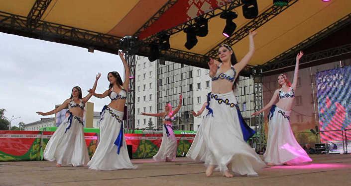 Гарачыя танцы, workout і брэйк-данс - на Славянскім базары