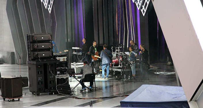 Подготовка к концерту в Летнем амфитеатре во время Славянского базара в Витебске