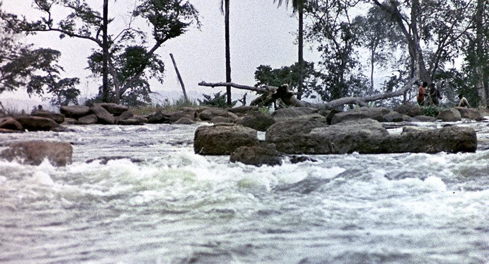 Пороги на реке Конго. Республика Конго.
