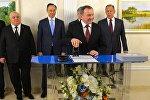Глава МИД Владимир Макей принял участие в церемонии гашения маркированного конверта