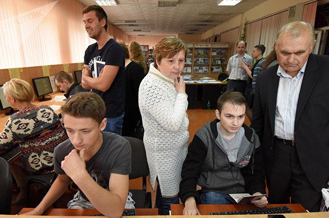 Дениса Парфенова из Рогачева поддерживают родители
