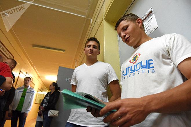 Павел Никитин еще не поступил, но уже мечтает работать на Белорусском металлургическом заводе