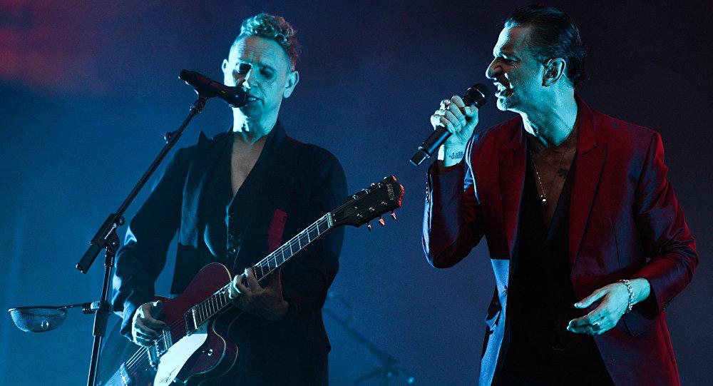 ВМинске госпитализировали солиста Depeche Mode