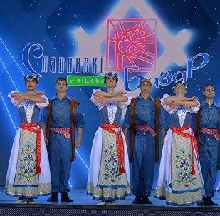 Артисты на сцене Славянского базара в Витебске