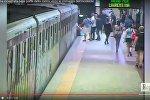 Пассажиры римского метро пытались помочь застрявшей белоруске