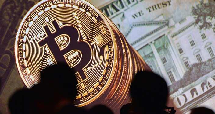 Изображения биткоина и доллара
