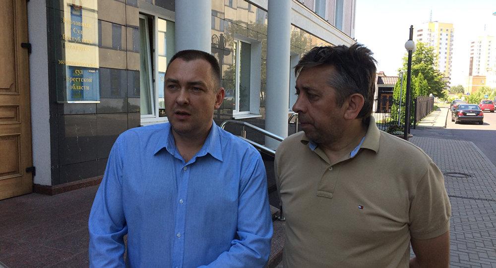 Как блогеры Петрухин и Турченяк исполняют решение суда. Хором, с юмором и предположениями