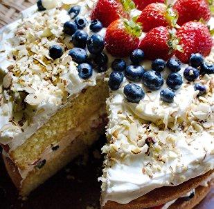 Торт з ягадамі