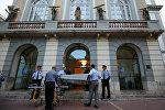 Эксгумация тела Сальвадора Дали в Фигерасе, Испания
