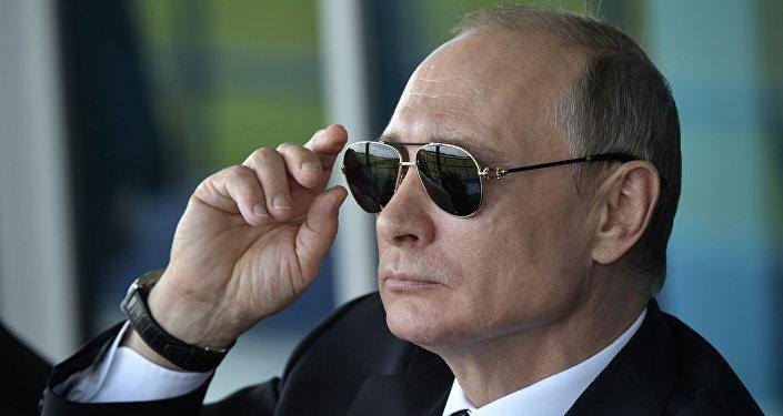 Лукашенко поздравил Владимира Путина  сднем рождения