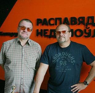 Эксперт Александр Тиханский и ведущий радио Sputnik Беларусь Вячеслав Шарапов