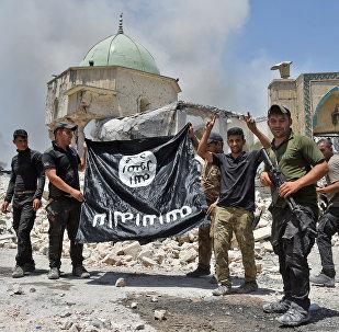 Захваченное знамя ИГ
