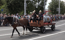 Праздник ко Дню пожарной службы: парад, плац-концерт и испытания для юных спасателей