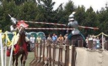 Конный рыцарский турнир и Битва Дворов в Дудутках, видео