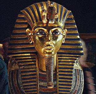 Пахавальная маска Тутанхамона