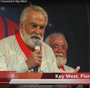 Видеофакт: на конкурсе двойников Хемингуэя победил пенсионер из Техаса