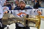 Российский хоккеист Данис Зарипов, архивное фото