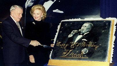 Фрэнк Синатра со своей женой Барбарой