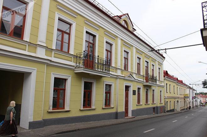 В этом доме по улице Кирова, 5 в Гродно с 1893 по 1897 год жил и работал доктор Заменгоф
