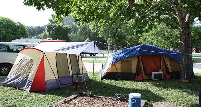 Палатки на кемпинге