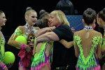Главный тренер белорусской сборной Ирина Лепарская с юниорками