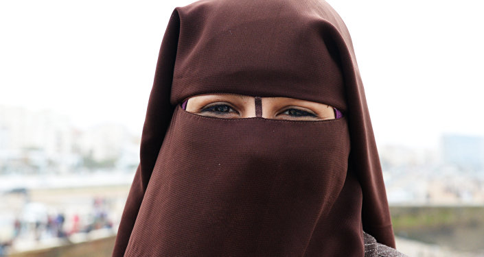 Белоруса взяли взаложники заграницей из-за нежелания жениться