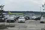 Рейсовый пассажирский самолет, на борту которого находится вице-премьер России Дмитрий Рогозин, в Национальном аэропорту Минск