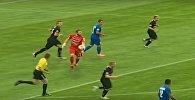 Відэафакт: брамнік ФК Крумкачы забіў мяч праз усё поле