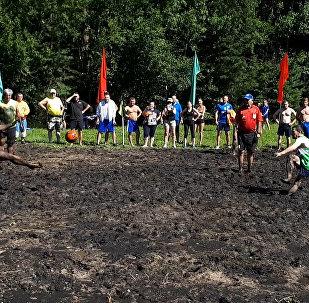 Болотный футбол, или Как спортивные чиновники измазались грязью