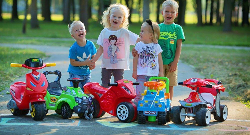 Игрушки Полесье любят дети разных возрастов