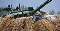 Белорусский экипаж на танковом биатлоне