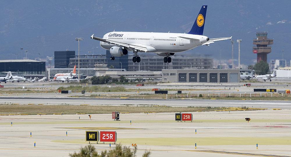 Вконце рабочей недели сотрудники аэропорта вБарселоне объявят четырехчасовую забастовку