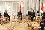 Александр Лукашенко на встрече с президентом Международной федерации гимнастики Моринари Ватанабэ