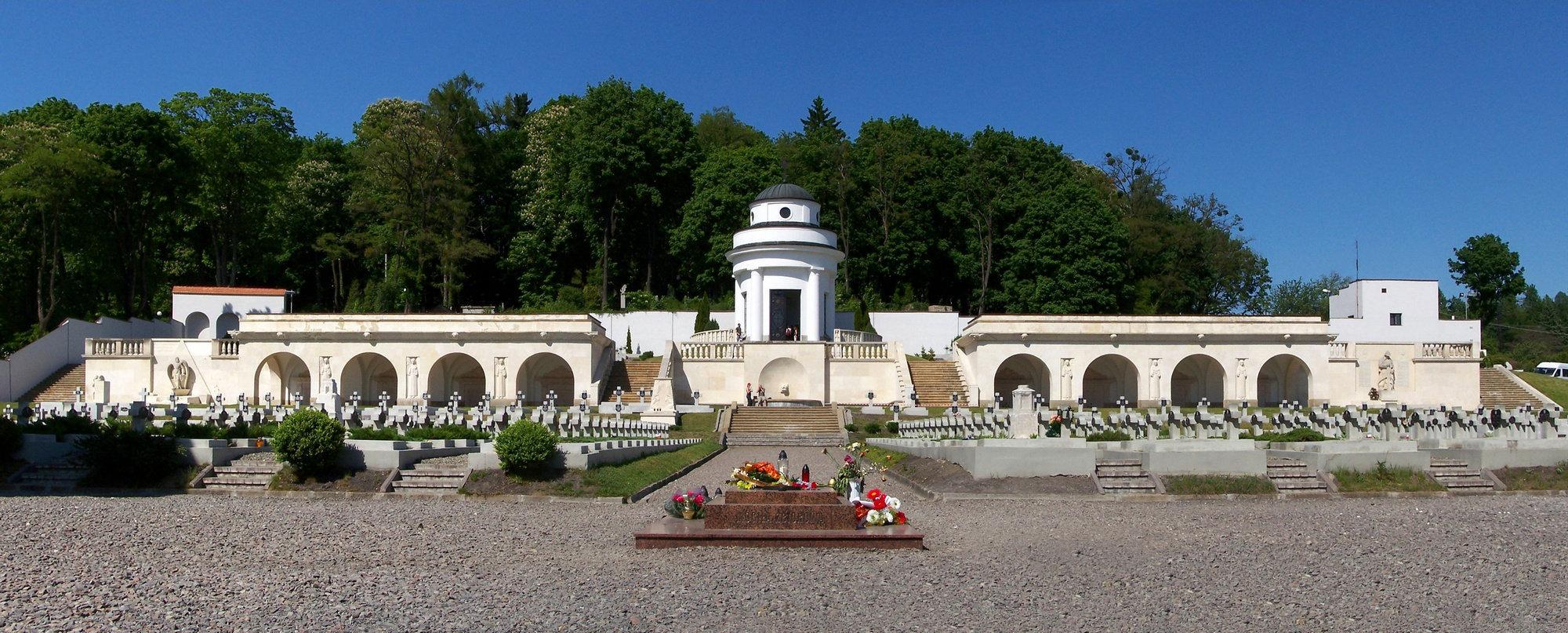 Ратонда на Лычакаўскіх могілках