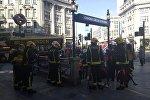 Сотрудники пожарной службы в Лондоне