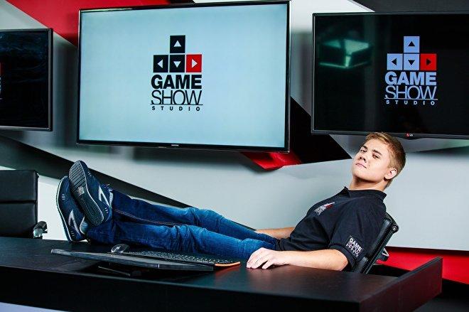 Первым местом работы для Константина Сивко стала студия киберспортивного телевидения Game Show