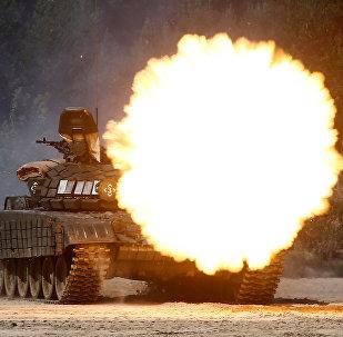 Стрельба из танка, архивное фото