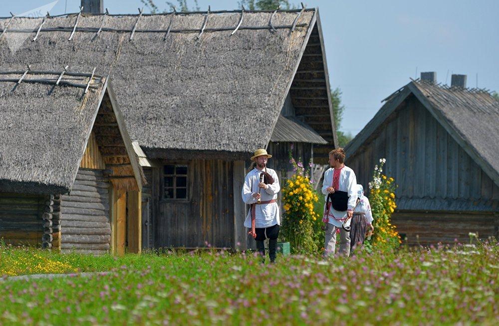 Ни один белорусский праздник не обходился без музыки, тем более без дуды.