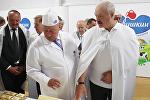 Александр Лукашенко во время поездки в Брест 11 августа 2017 года