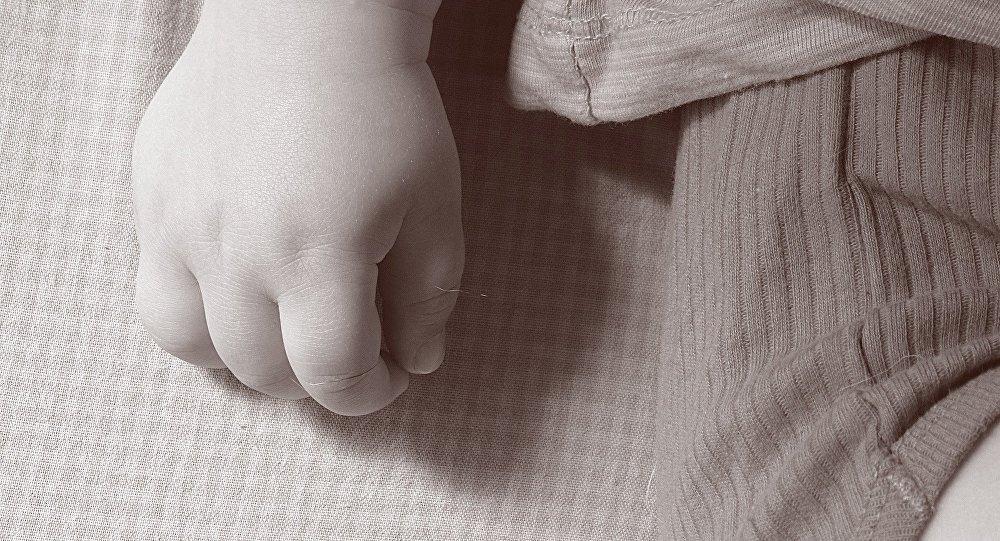 Маленький ребенок, архивное фото