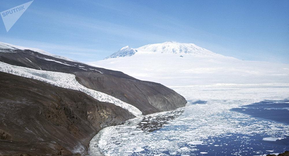 Гора Эребус, архивное фото