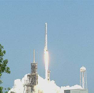 Запуск ракеты Falcon