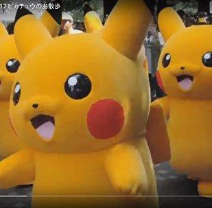 Тысячи пикачу танцевали на фестивале Pikachu Outbreak в Йокогаме