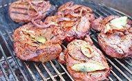 Мясо на барбекю, архивное фото