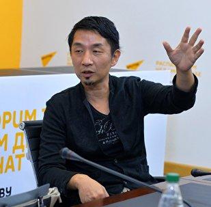 Знаменитый японский композитор  Акира Ямаока в пресс-центре Sputnik