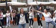Удзельнікі Ты супер! Танцы зладзілі спаборніцтва за парасоны Sputnik