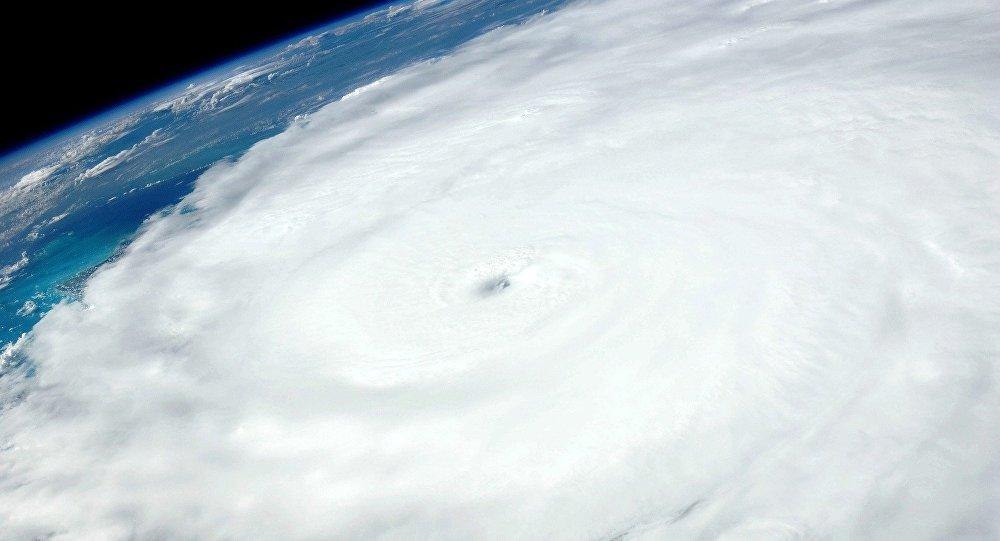 Картинки по запросу ураган ирма идет на сша