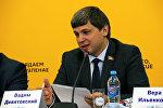 Знаменитый спортсмен, председатель федерации легкой атлетики, депутат Палаты представителей Вадим Девятовский